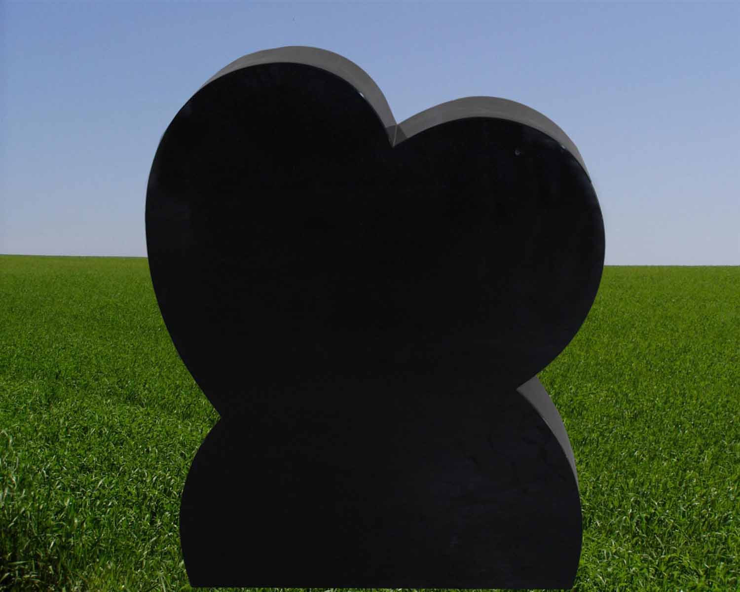 EG-13-13-383-6 / Jet Black / Tilted Heart w/ Curved Bottom