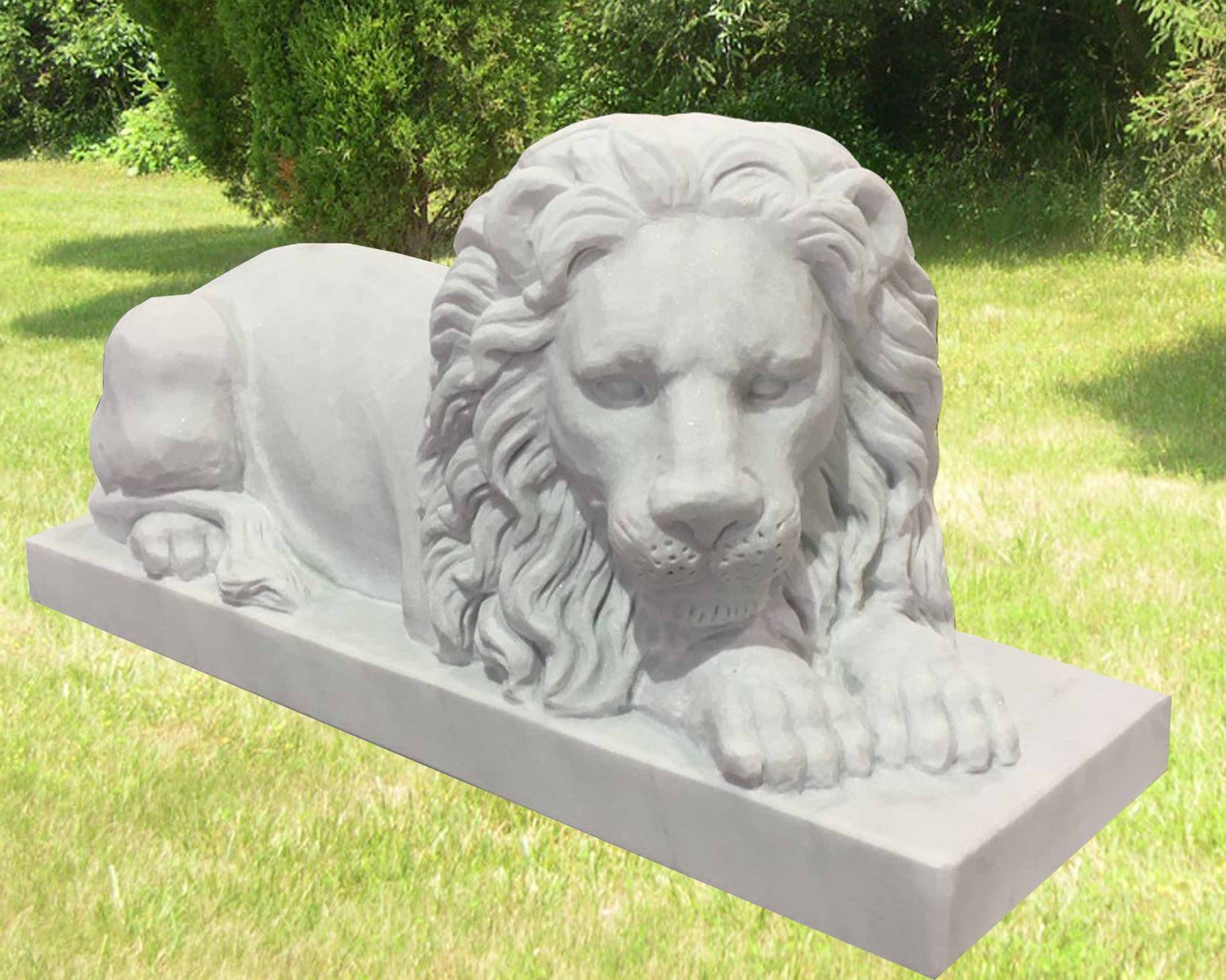 EG-17-83-920 / White Marble / Beautifully Carved Lion