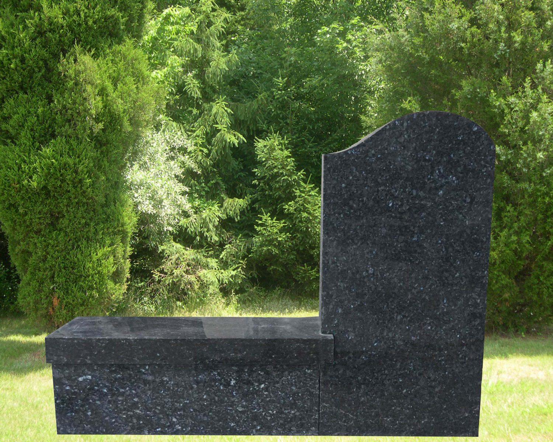 EG-16-367-919 / Blue Pearl / Die with Pedestal Leg Bench