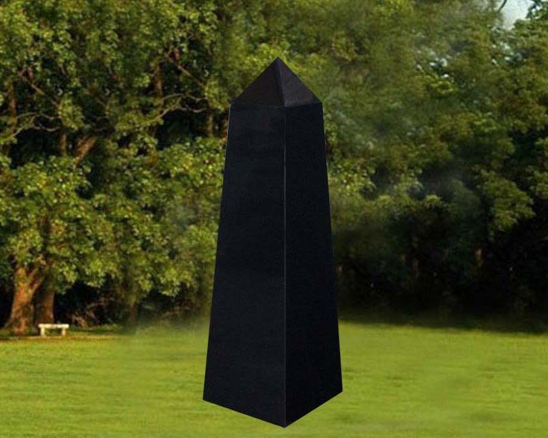 EG-12-323-376 / Jet Black / 4 Sides Tapered Obelisk