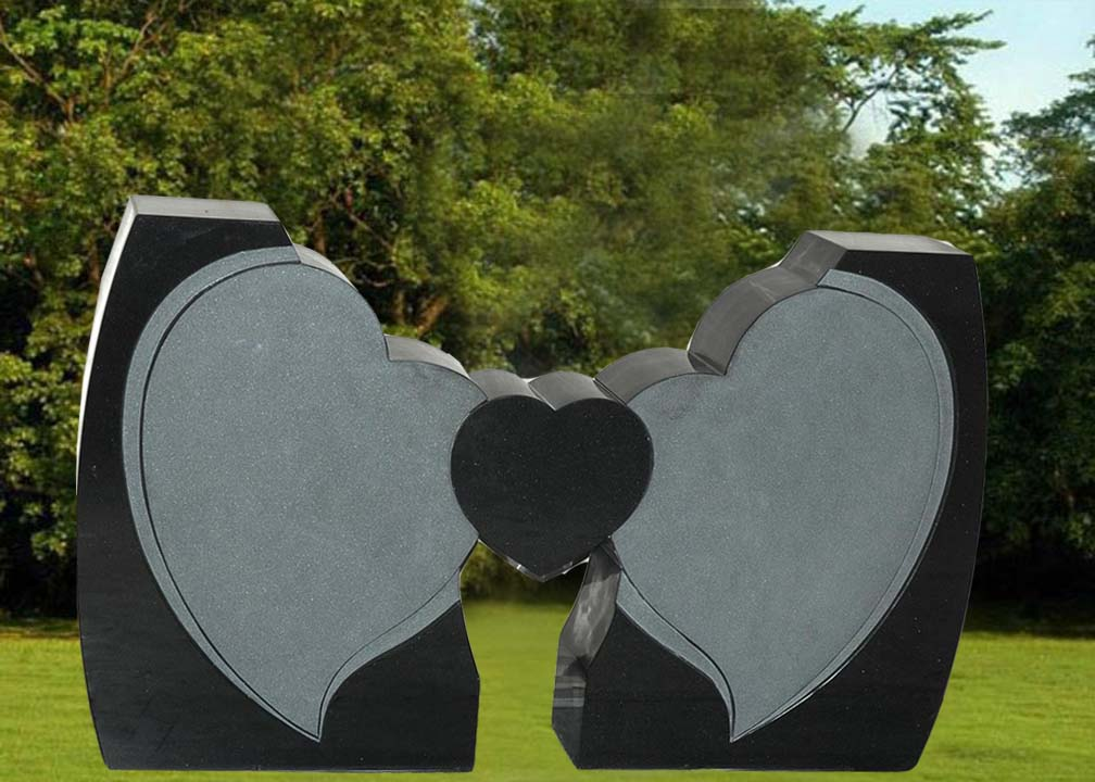 EG-12-361 / Jet Black / Tilted Heart Wings Holding Small Heart